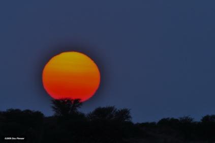 Sunset Kgalagadi - Golfball